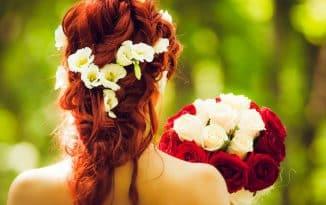 Pourquoi utiliser des couronnes de fleurs le jour de votre mariage ?
